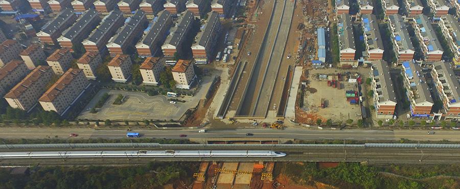 长沙市星沙联络线万家丽路以东段完成主线施工