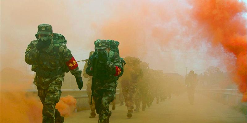 武警湖南总队新兵团开展冬季野营拉练活动