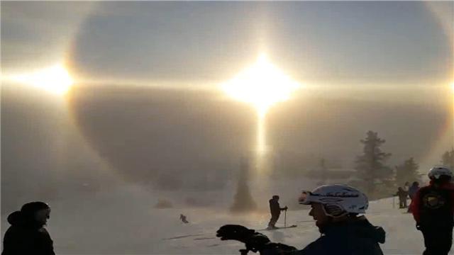 人们在瑞典看到的很梦幻的一幕 大自然的神奇