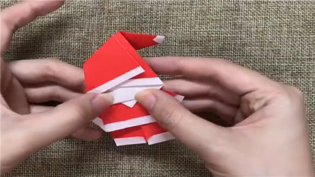 2分钟教你如何用纸折一个圣诞老人