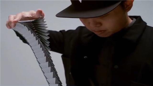 优雅酷炫的花式纸牌艺术