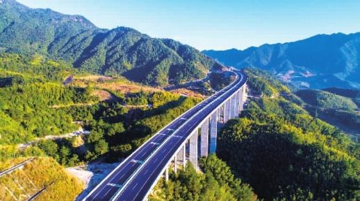 罗霄山下筑通衢——写在炎汝高速公路全线开通之际