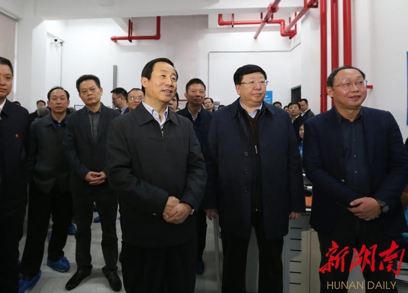 许达哲:运用信息化技术把为民造福的事情办好办实 新湖南www.hunanabc.com