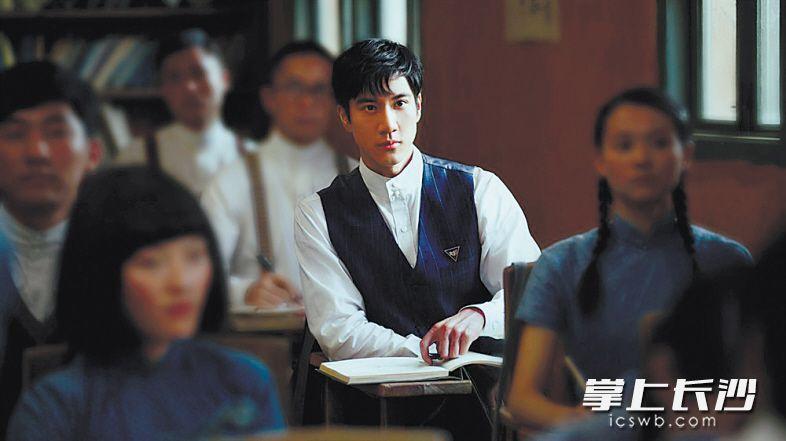 《无问西东》中由王力宏饰演的沈光耀。