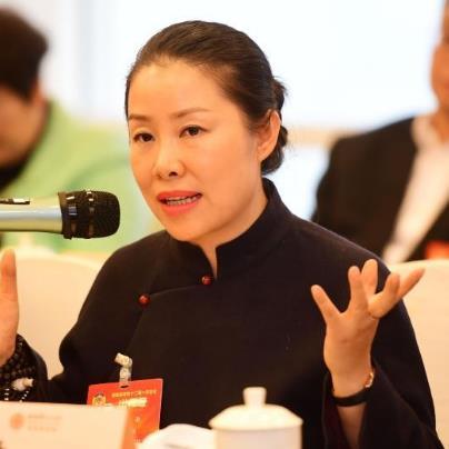 李雨:让流行元素成为传承发展女书的载体