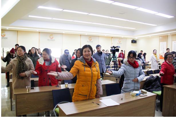 长沙龙王港社区:礼仪培训进社区 全民学习进行时