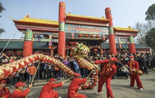 【新春走基层·年味湖南】新春庙会年味足 民俗文化岳舞台