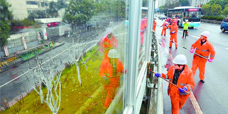 保洁人员春节保障隔音屏洁净卫生