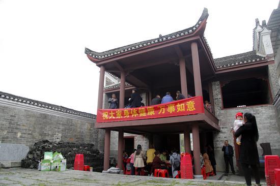 保护古村! 郴州市一古村村民自发修缮古祠堂