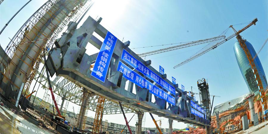 湘江欢乐城冰雪世界组合钢桁架提升