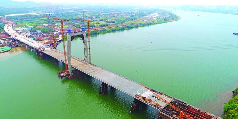 湘潭再添过江通道 桥梁主塔已实现封顶