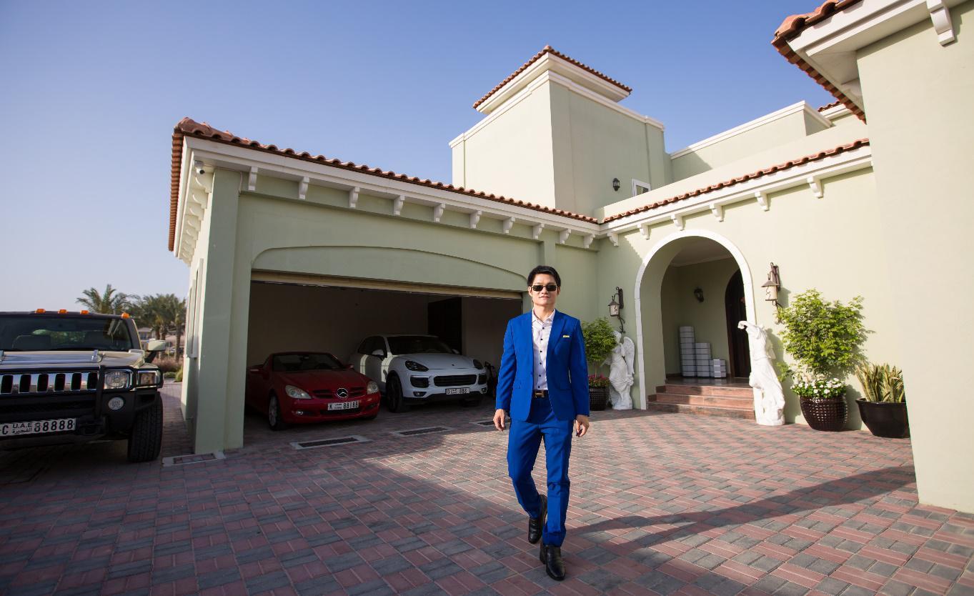 从睡楼梯走道吃牢饭到身价亿万美金――什么成就了迪拜创业者廖望的开挂人生?