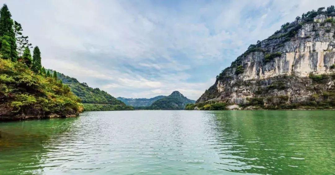 湄江风景区风光奇特,景点集中,景观齐全,具有奇景,险境,神旅之特色