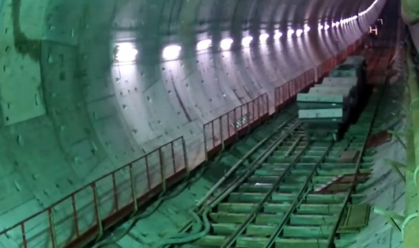 衡阳:首条穿越湘江隧道双线贯通