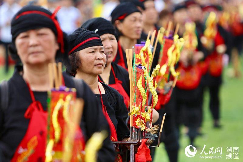 """南岳茶文化节展""""非遗""""风采 传承千年历史(组图)"""