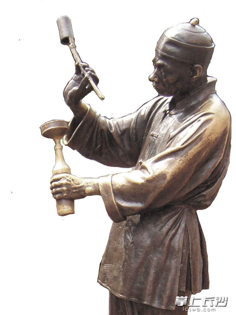 """""""老长沙""""系列雕塑――打酱油 均为资料图片"""