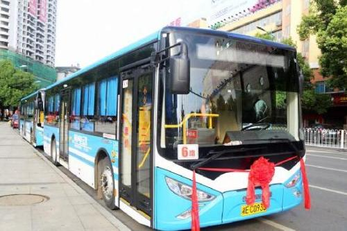 高考期间考生凭准考证可免费乘坐公交车