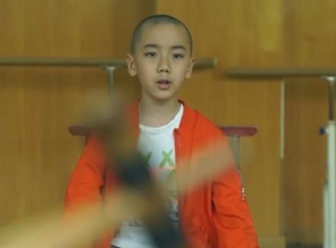 学了7年京剧花脸的10岁男孩