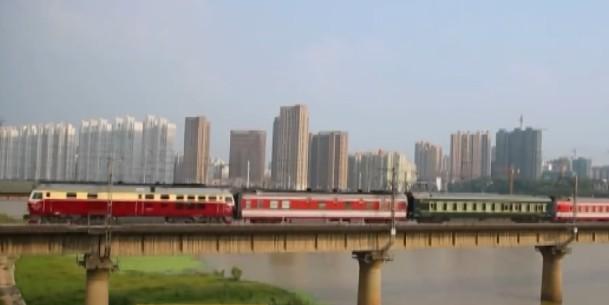 端午小长假广铁加开旅客列车67对