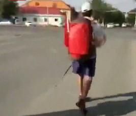 67岁老人13年徒步走过全国2850个县