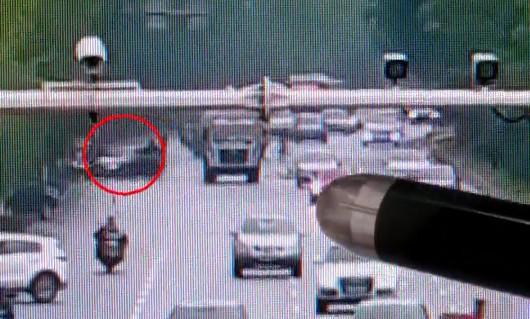 长沙福元路悦湖山小区路段 9岁女孩放学途中被豪车撞飞