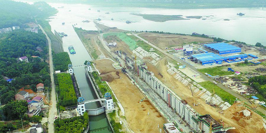 衡山县大源渡航电枢纽二线船闸建设正酣