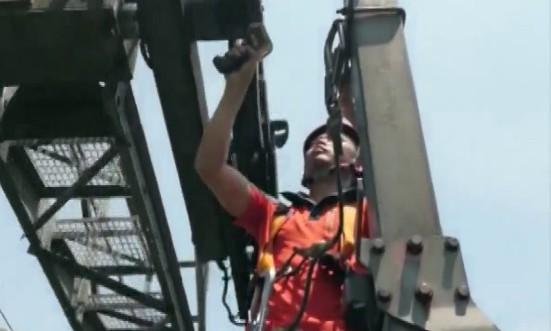 索道检修工漆顺义:我在1000多米的高空为你护航