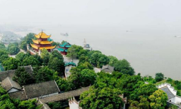 岳阳楼洞庭湖风景名胜区,位于湖南省岳阳市区西北部,为4a级风景