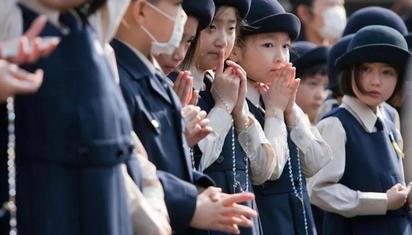 年轻人不愿意生孩子,日本政府采取了哪些措施?