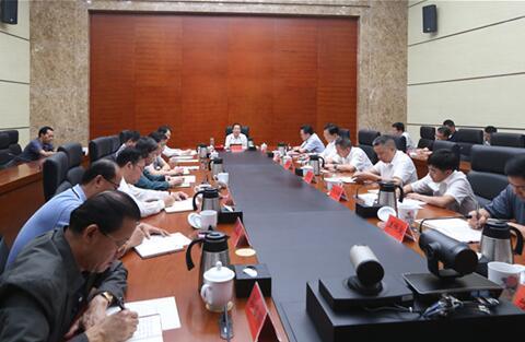 许达哲与省政府办公厅、研究室副厅以上干部集体谈心谈话
