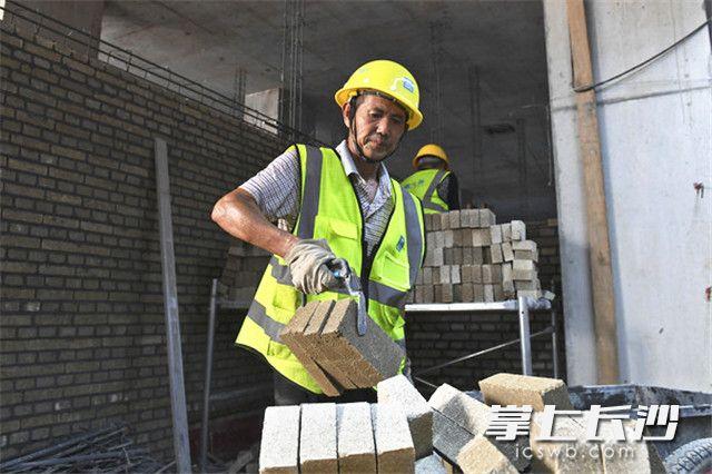 长沙地铁4号线已开始全面进行装饰装修和通信、信号及机电系统安装施工。照片均为长沙晚报记者 王志伟 摄