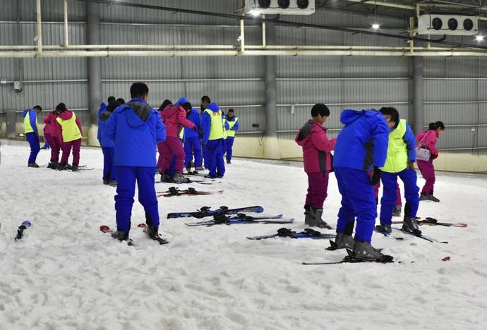 三只熊冰雪王国巨型滑雪道