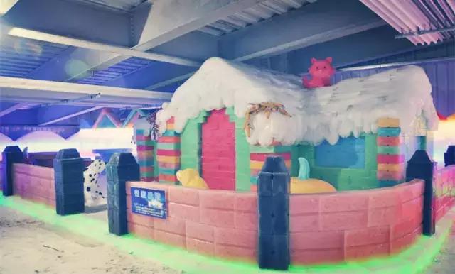 三只熊冰雪王国冰雕馆