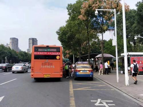 市民请注意 有3条公交线路将作调整