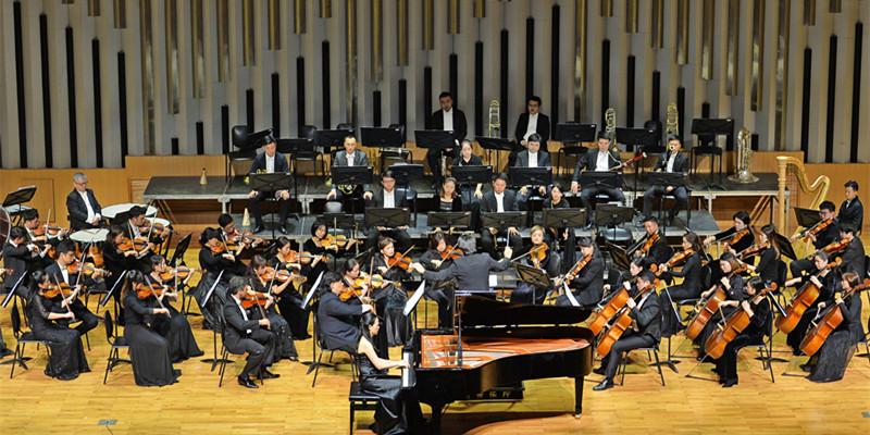 """""""冬之声""""交响音乐会举行"""
