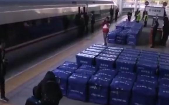 长沙剁手党 你的双十一快递可能是坐高铁来的