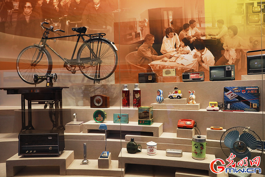 庆祝改革开放40周年大型展览在京开幕(组图)