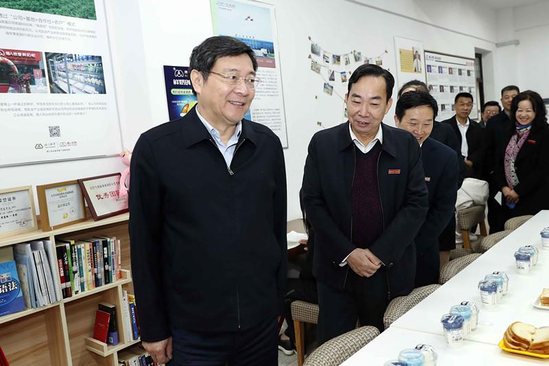 杜家毫在湖南农业大学调研:为建设富饶美丽幸福新湖南作出新贡献