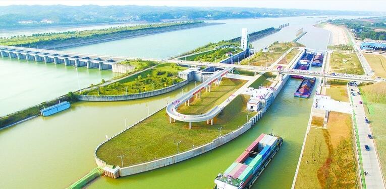 株洲航电枢纽二线船闸建成通航