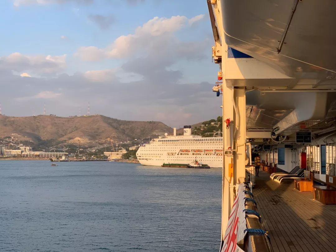 时政新闻眼 | 习近平:共同驾驶世界经济大船驶向更加美好的彼岸