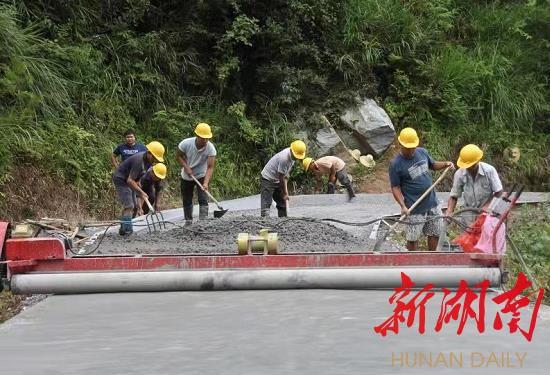 前10月公路建设投资增速同比全省第一