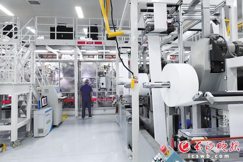 康程护理经过十余年的发展,已成为宁乡经开区妇孕婴童产业的龙头企业。