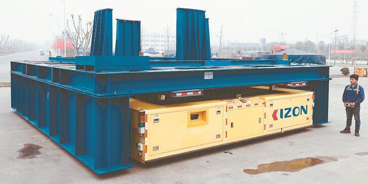 国内首台重载工业移动机器人投入使用