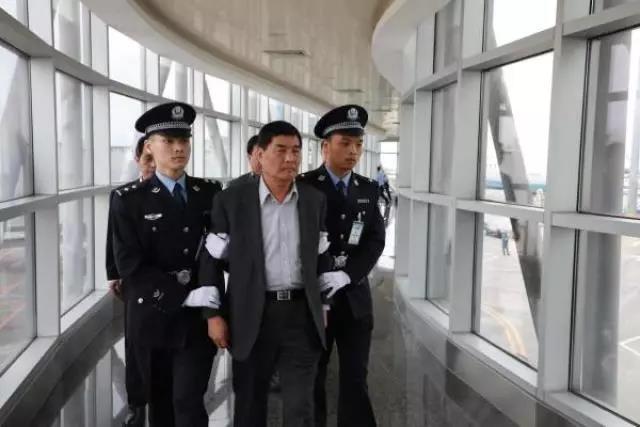 [综合] 新闻早餐丨12月6日热点新闻早知道 新湖南www.hunanabc.com