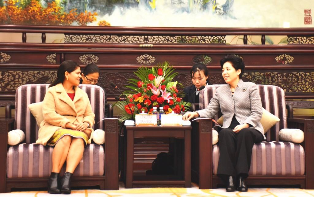 乌兰会见东帝汶总理夫人