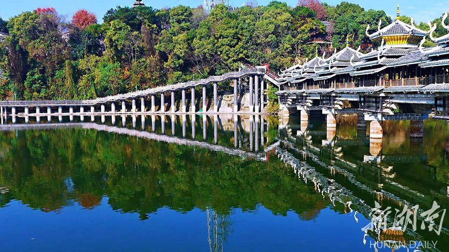 跃进湖临湖栈道改造主体完工 新湖南www.hunanabc.com