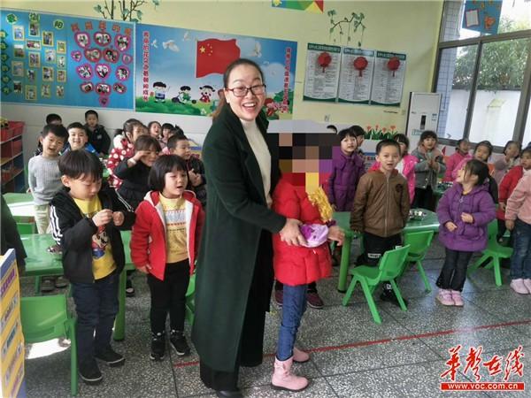"""bob官网:浏阳重度残障贫困学生有了""""家庭教师"""""""