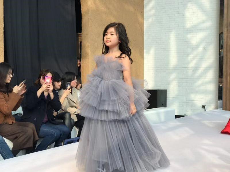 韩国spoensha儿童时装周在上海issi秀场拉开帷幕