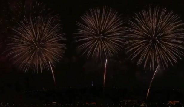2019长沙橘子洲第一场焰火:在冰雪和小雨中惊艳绽放