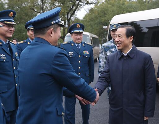 许达哲在长沙、衡阳走访慰问省军区、空八师官兵
